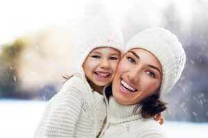 mom-and-daughter-in-snow